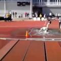 Doble caída en carrera con obstáculos