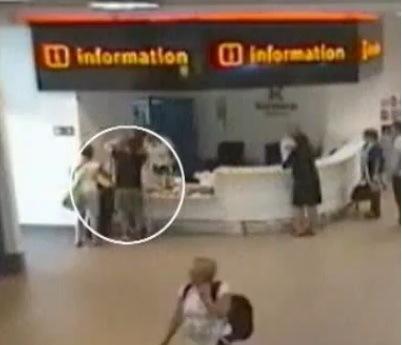 Abondonan a su hija en el aeropuerto