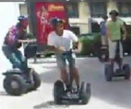 Ridiculo choque en Segways