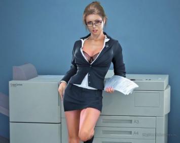 """Despidió a su secretaria porque le resultaba """"irresistible"""""""