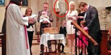 Abuelo fantasma presencia bautismo de su nieta