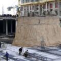 Construyen edificio alrededor de una tumba