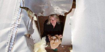 Bloque de hielo cae sobre su casa rodante
