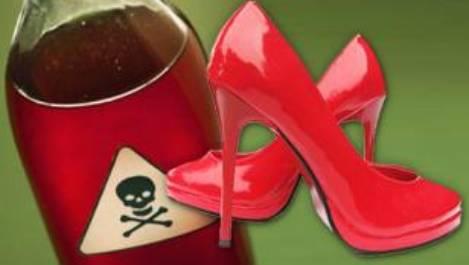 Intenta matar a una colega poniendo veneno en sus zapatos
