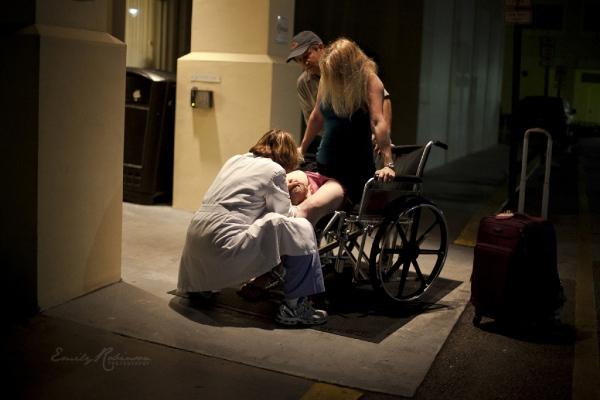 Da a luz en la puerta del hospital