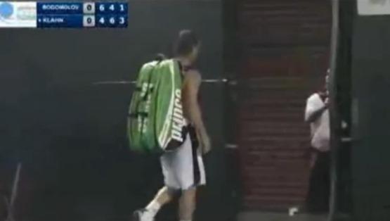 Tenista abndona tras fallo incorrecto