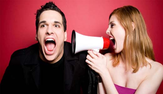 Voz-femenina-agota-al-cerebro-masculino