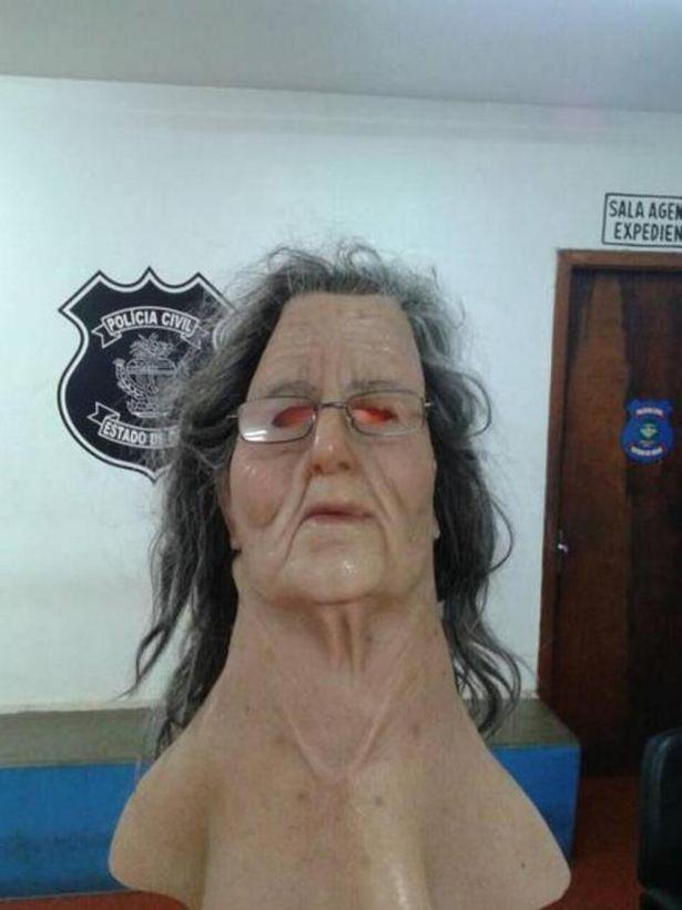 Narco intenta escapar de la cárcel vestido de abuelita
