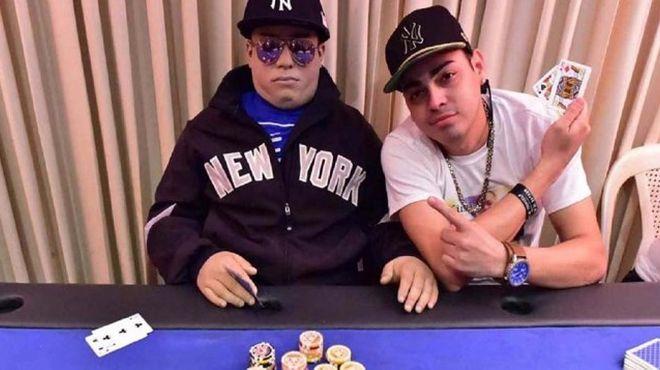 lo-vela-jugando-al-poker