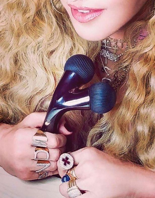 Madonna_rodillo-facial