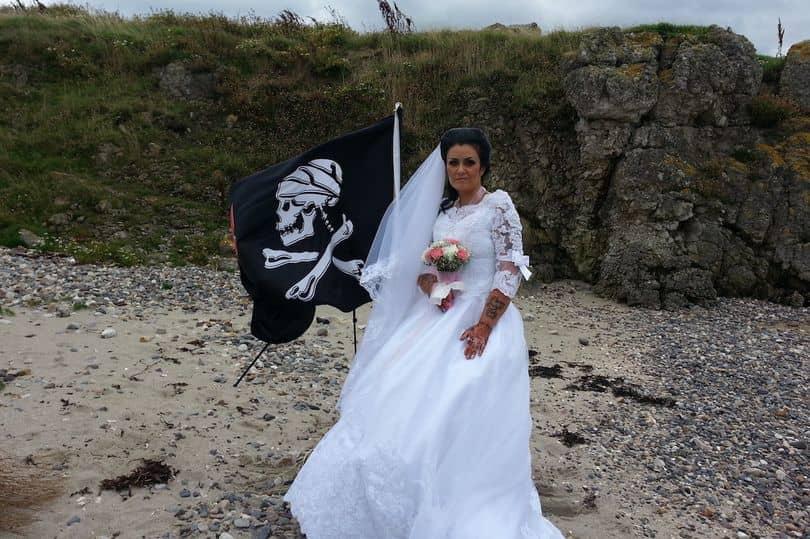 Se-casa-con-pirata-fantasma