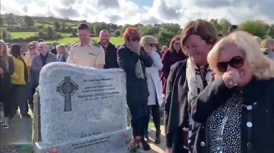 Voz de ultratumba en funeral pide salir del cajón